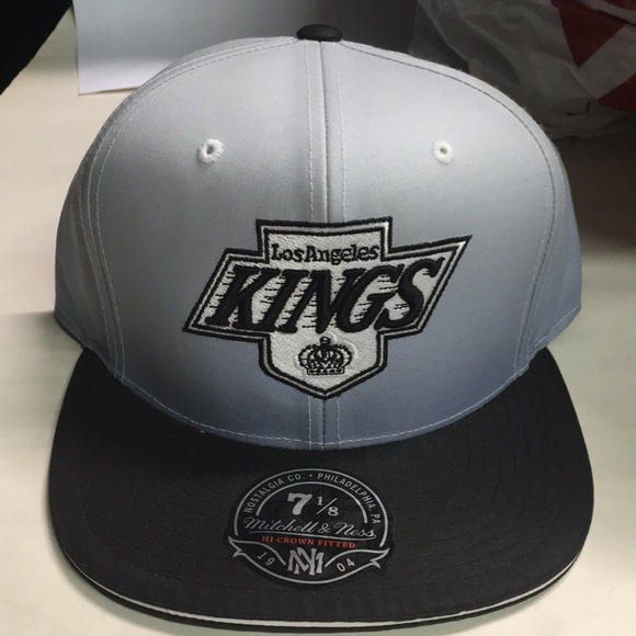 Mitchell   Ness Los Angeles kings fitted hat 7 1 8 7828ee28c038